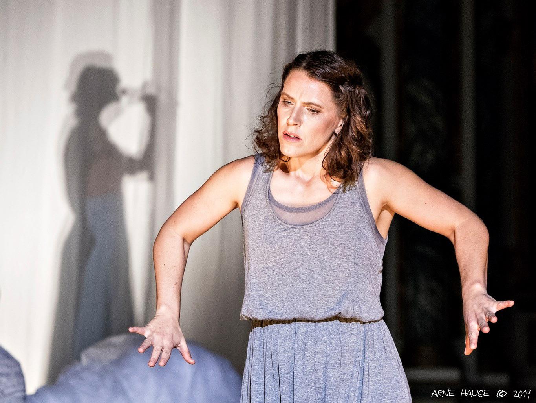 Danser Bente Lise Austad.