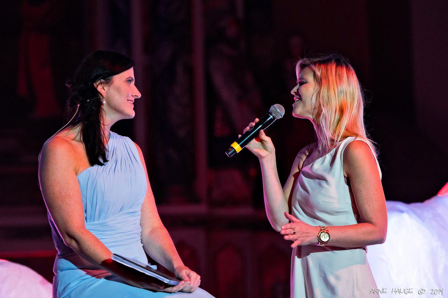 Marit Louise Barlaup og sanger Linda Holm Hansen.