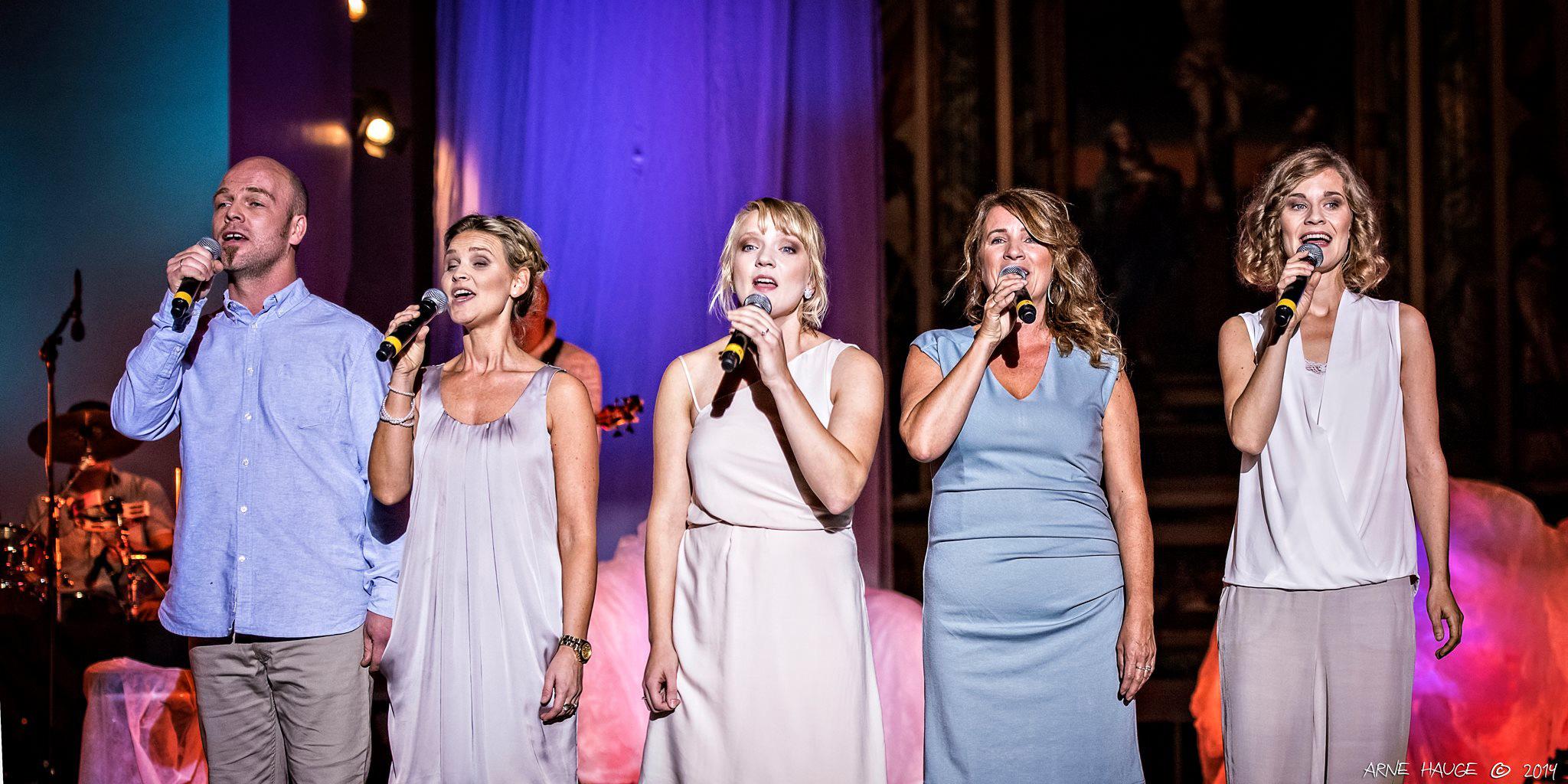 Vokalistene i konsertforestillingen «En reise mot håp».